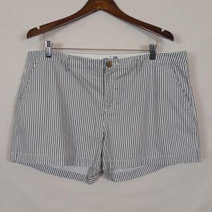 Old Navy black and white stripe shorts size 16